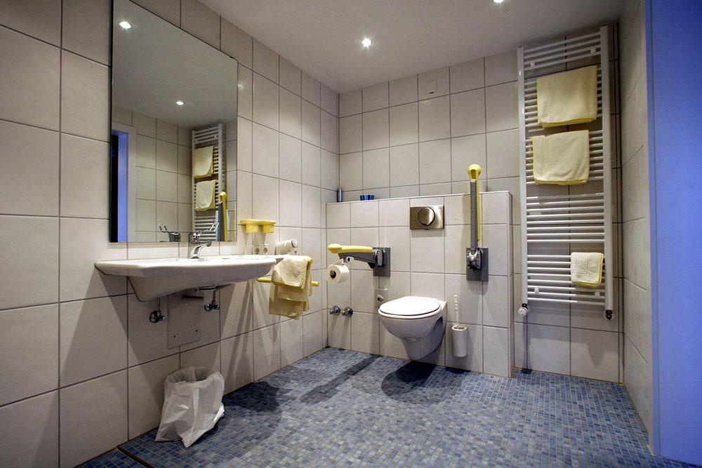 Badezimmer eines Doppelzimmers komfort